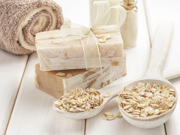 Le bain d'avoine pour traiter les démangeaisons de la peau