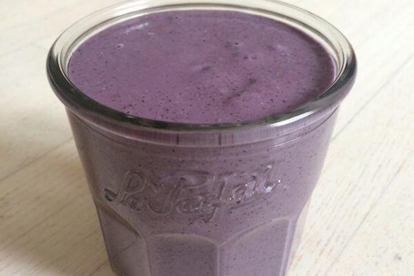 Recette smoothie le Blueberry King aux myrtilles anti-cancer sur plantastique.com